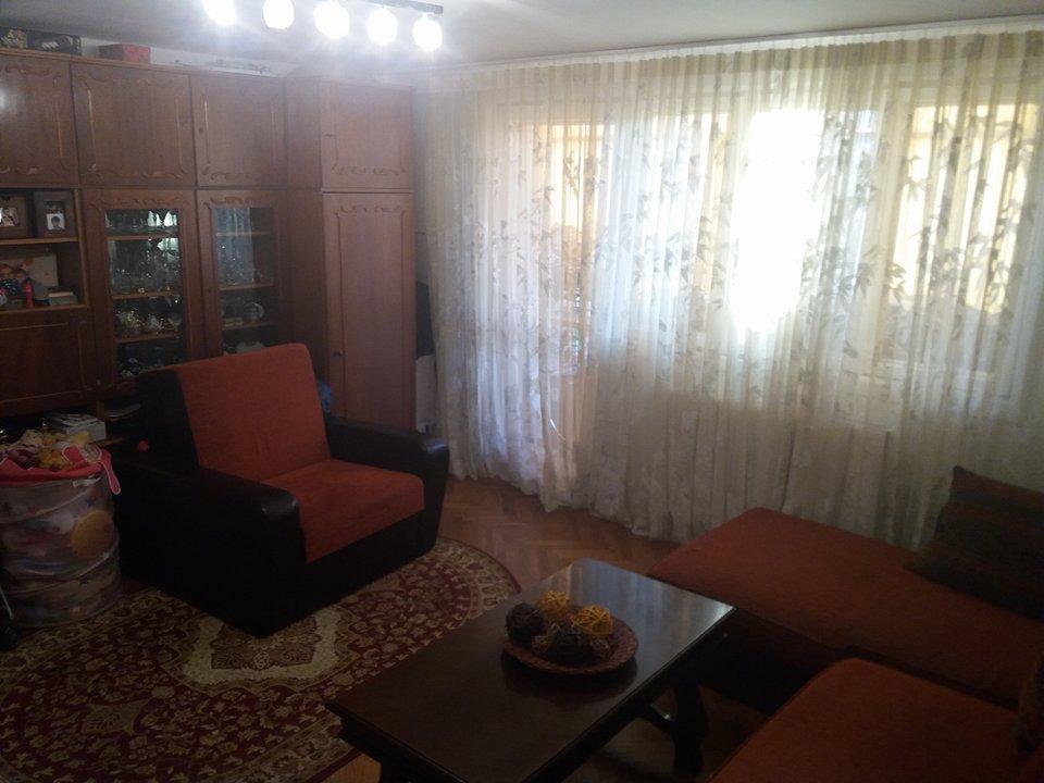 Apartament e camere, decomandat, 65 mp, Complex Studentesc