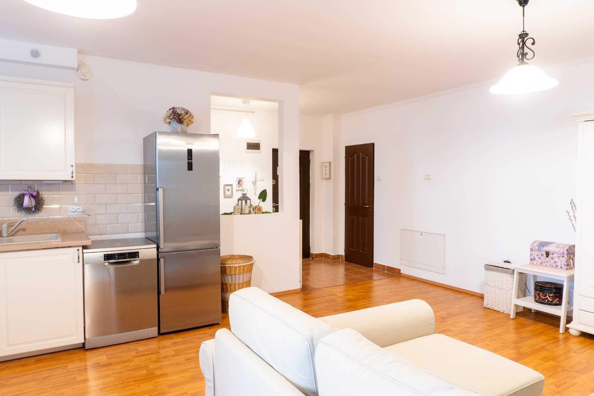 Apartament 2 camere, decomandat, etaj 1, bloc nou Soarelui