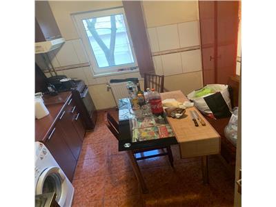 3 camere , etaj 1 , Sagului,Clabucet